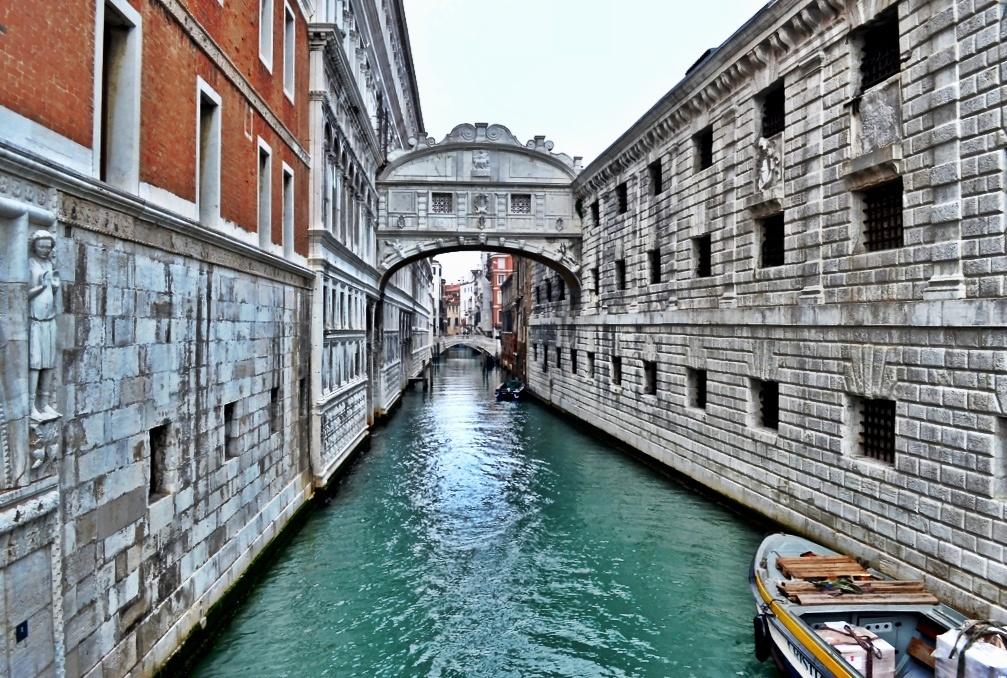 Ahlar Köprüsü – Venedik