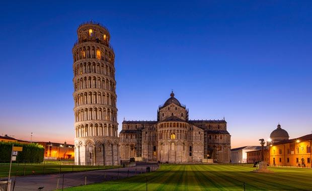 italya pisa kulesi
